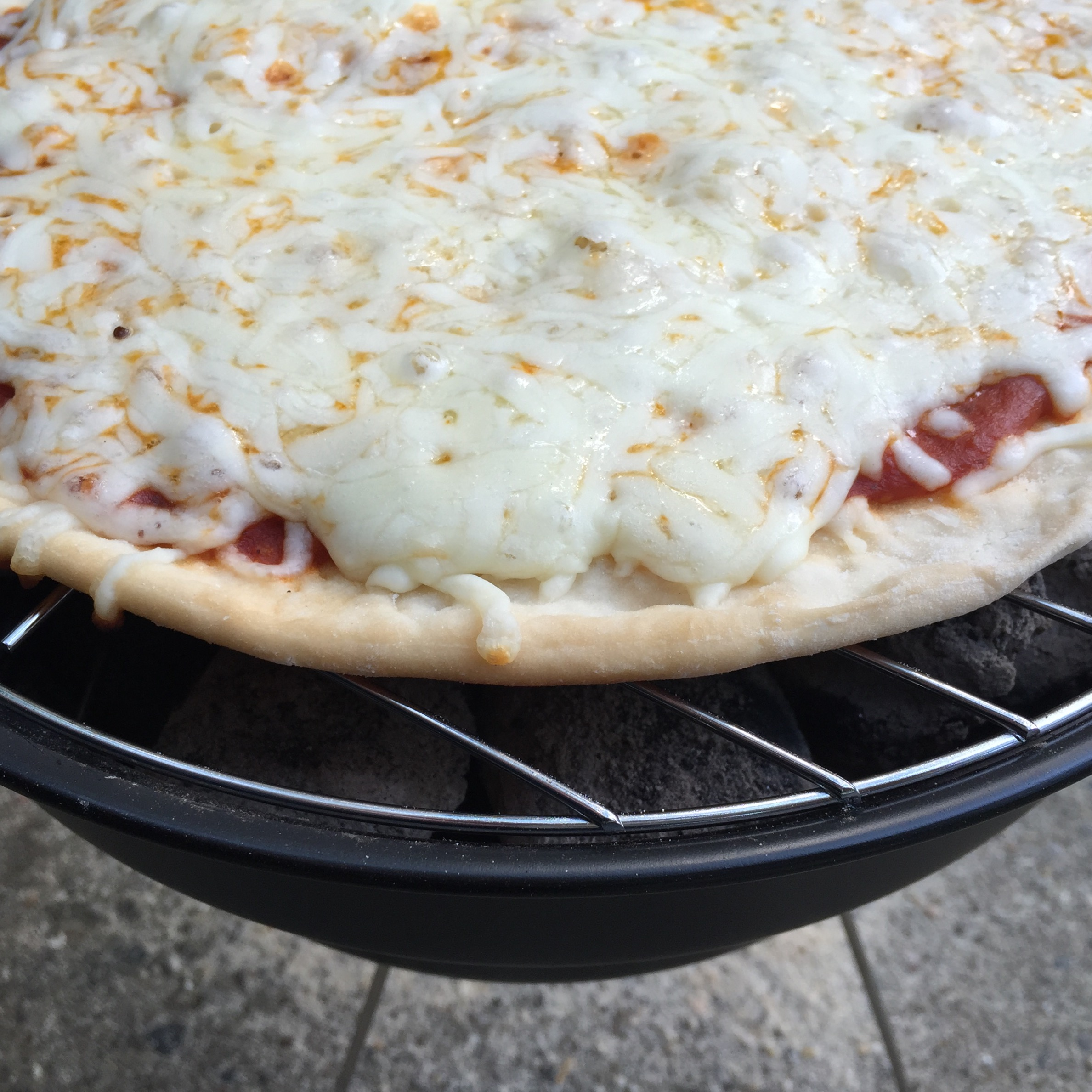 Beginner BBQ Tips And Grilled Thin Crust Pizza | Kingsford