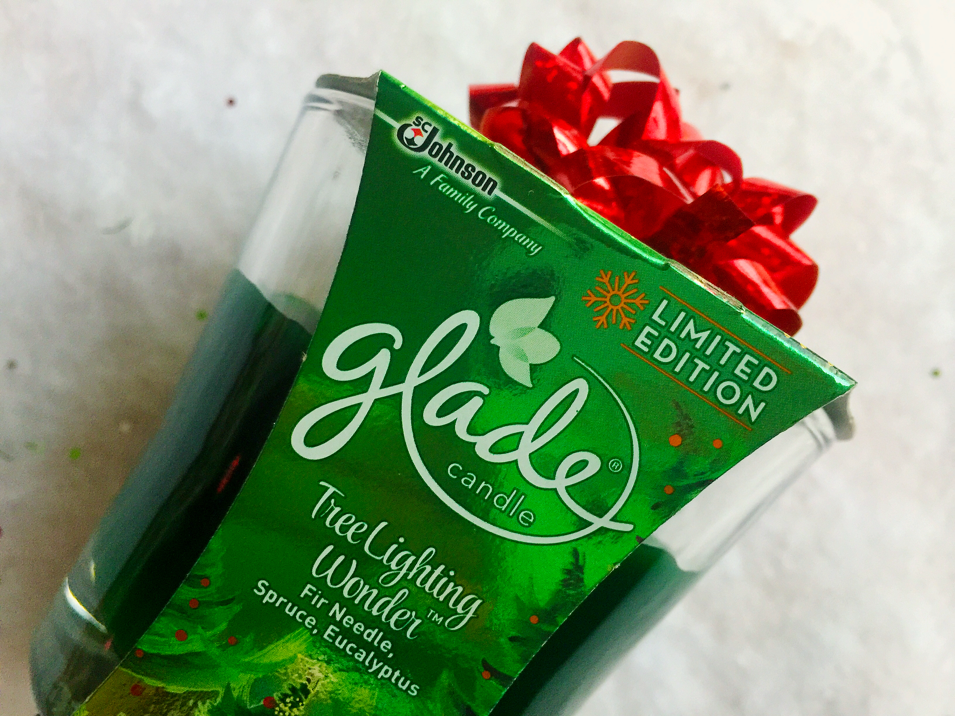 The Best Ways To Gift Glade Holiday Cheer ©www.roastedbeanz.com [AD] #GladeHolidayCheer