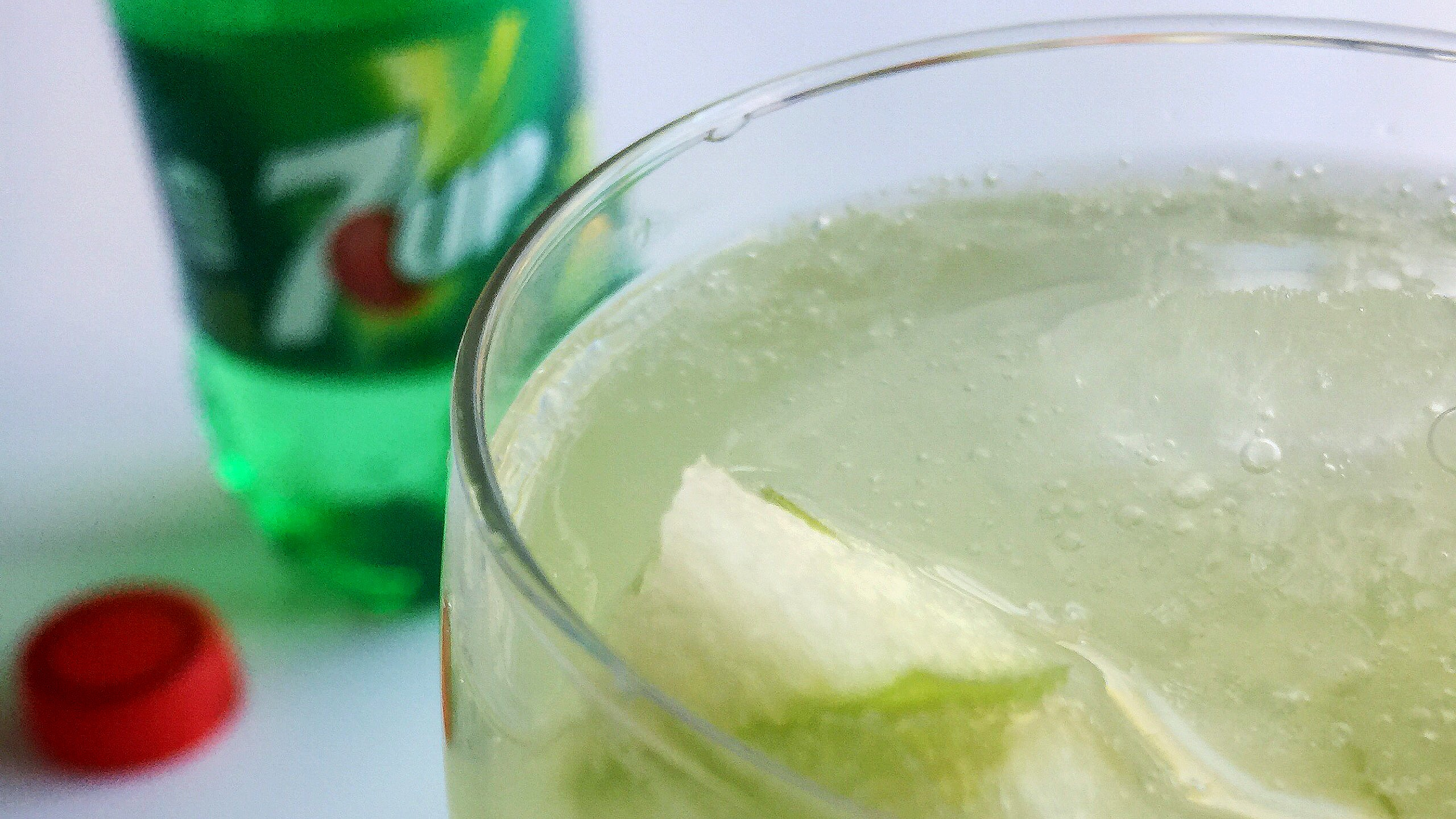 Sour Green Apple Iced Spritzer 7UP Mocktail © www.roastedbeanz.com [AD] #JustAdd7UP #CollectiveBias #shop