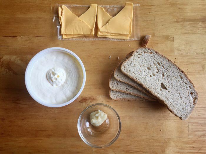 Garlic Toast Grilled Cheese Recipe © www.roastedbeanz.com [AD] #ForWhatMattersMost #CollectiveBias #shop