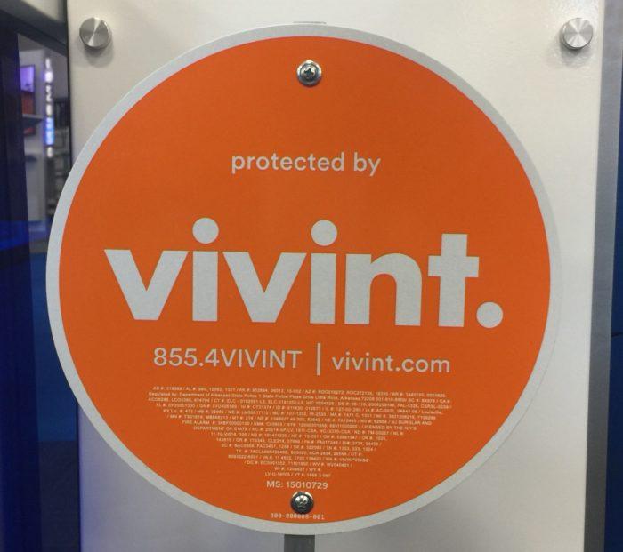 Best Buy Home Security Powered By Vivint © www.roastedbeanz.com [AD] #bbyvivint #shop