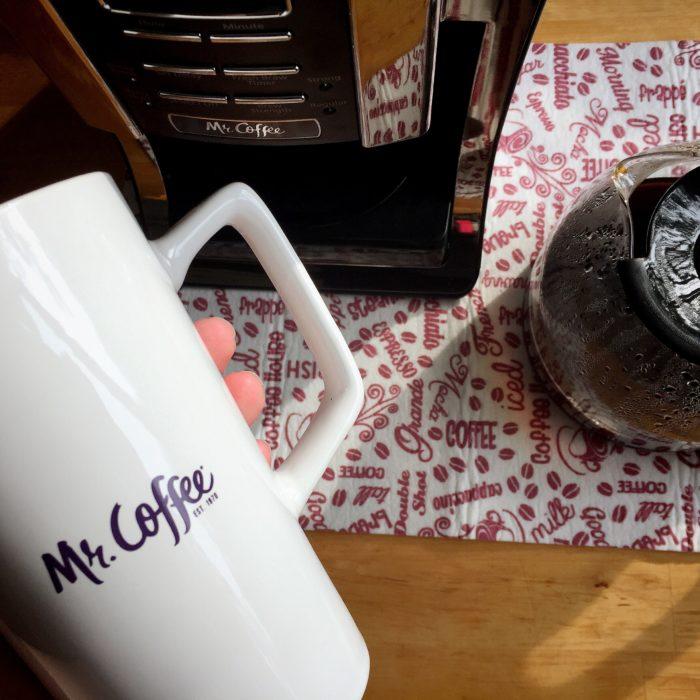 Mocha Maple Overnight Oats © www.roastedbeanz.com [AD] #BrewedToPerfection #MrCoffeeDay #cbias